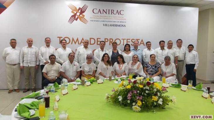 Inicia Violeta Isidro segundo periodo al frente de la CANIRAC