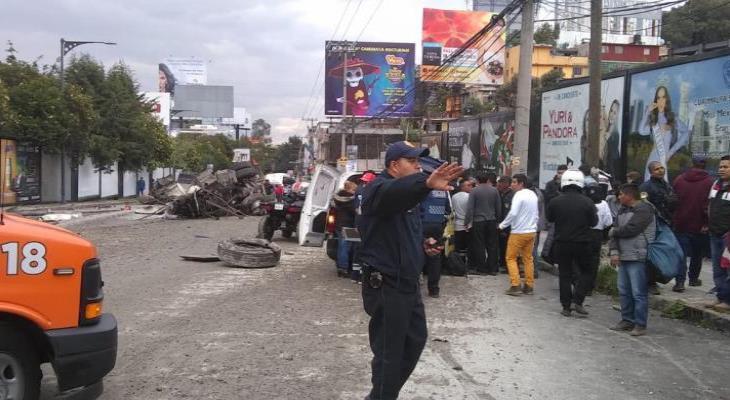 Deja carambola en la autopista México-Toluca 15 heridos