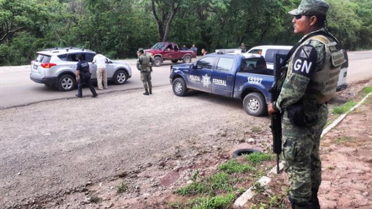 Pide Calderón a AMLO revocar orden para que fuerzas armadas se defiendan