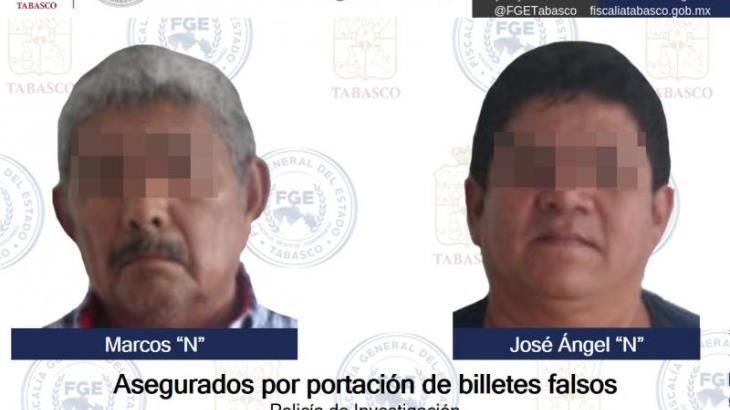 Detienen en Comalcalco a dos con billetes falsos