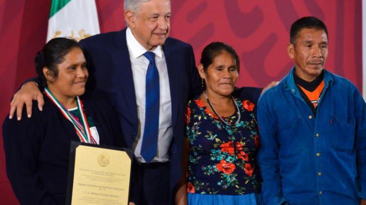 Otorgan Premio Nacional de los Derechos Humanos a Obtilia Eugenio, defensora indígena de Guerrero