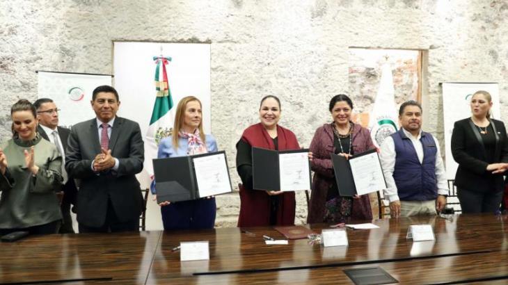 Firma Mónica Fernández Balboa convenio con la Secretaría de Cultura para digitalizar acervo histórico del Senado