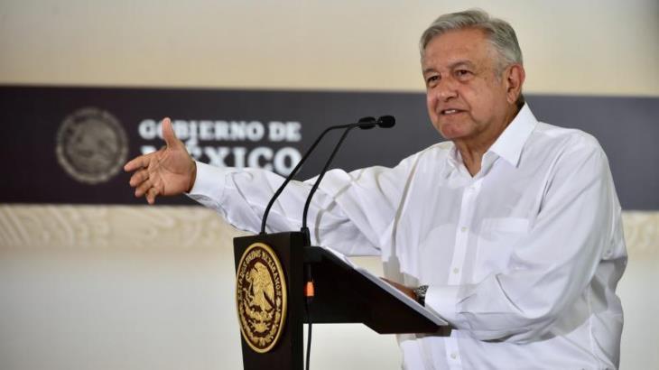 AMLO descarta intervenir en conflicto de Morena; es delito electoral, advierte