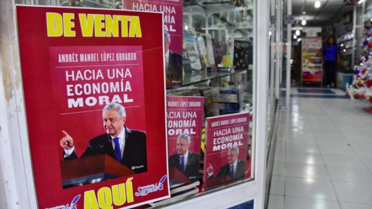 Imagen del Día: El nuevo libro de AMLO ya se vende en librerías de Villahermosa