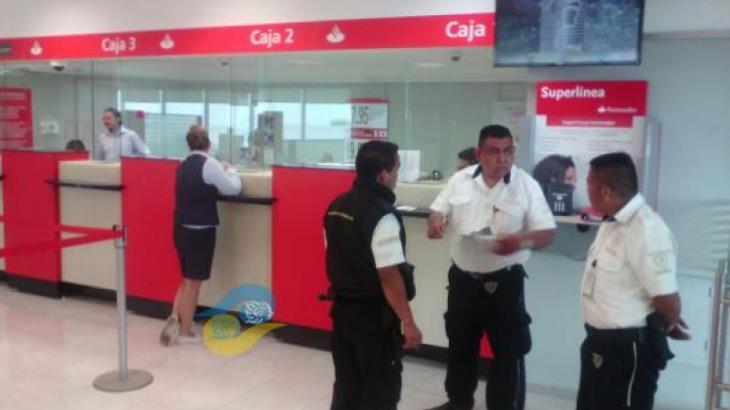 Asegura banco que su cajera no tiene relación con delincuentes del asalto a cuentahabientes en Veracruz