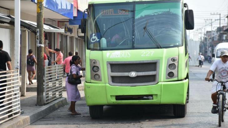 Reconoce presidente del corredor Universidad-Bicentenario del Transbus baja en número de usuarios