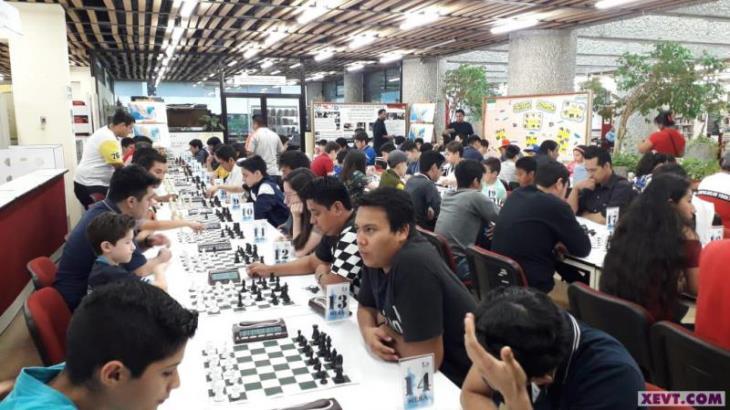 Celebran torneo de ajedrez de Afiliación 2020; participa niño de 6 años