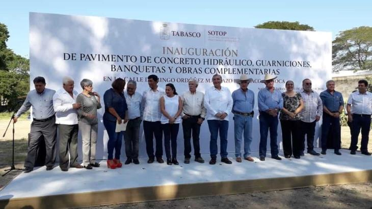Inaugura Gobierno pavimentación de camino en Pomoca, que se había convertido en tiradero de basura