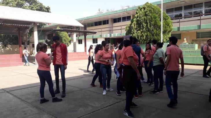 Suspenden normalistas marcha programada hacia Plaza de Armas