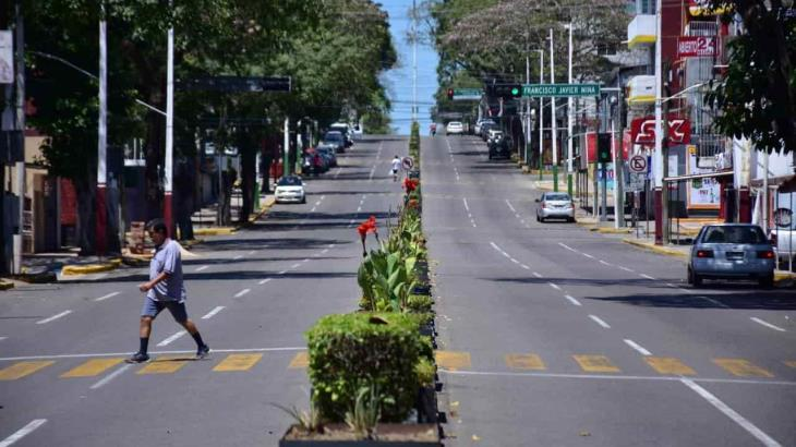 Semi vacías lucieron las calles de Villahermosa este primer domingo de aislamiento ante el covid-19