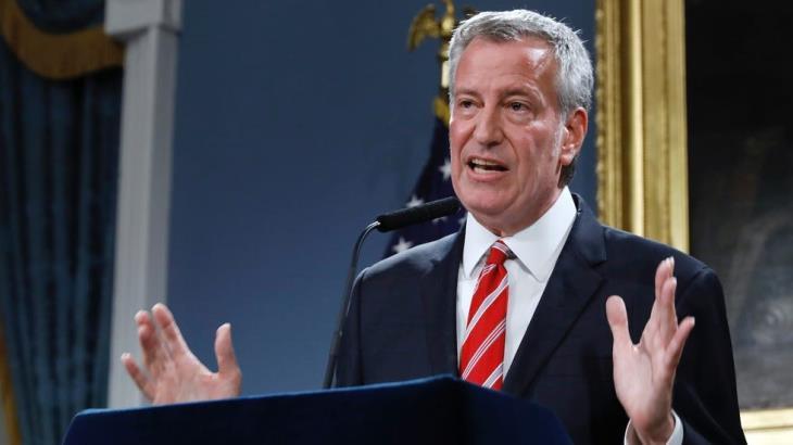 Clama ayuda y pide alcalde de NY cuarentena nacional en EU