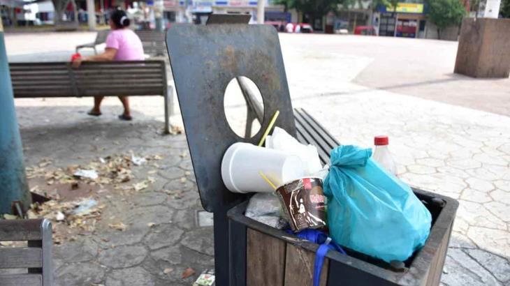 Personas siguen llegando a parques y los dejan llenos de basura
