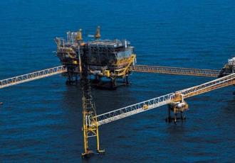 Petróleo llega a los 85 dólares; mezcla mexicana se mantiene por arriba de los 76 dls por barril