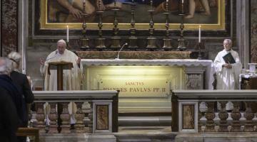 Juan Pablo II debe ser un símbolo que inspire a los jóvenes a caminar con Jesús: Papa Francisco