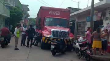 A punta de pistola asaltan a empleados de una refresquera en Gaviotas