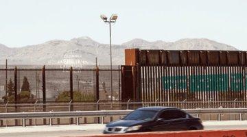 Estados Unidos amplía cierre parcial de la frontera con México un mes más