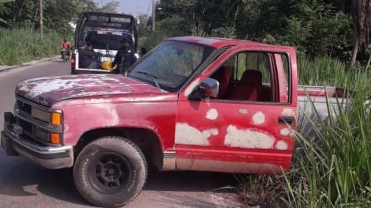 Detienen a cuatro por intento de robo a camión de abarrotera en ranchería Anacleto Canabal