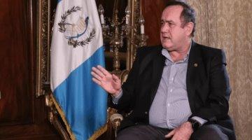 Alza en casos de COVID-19 en Guatemala se debe a ´irresponsabilidad´ de México: Presidente