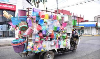 FOTO GALERÍA: El cambaceo, la estrategia de venta que subsiste a los tiempos del coronavirus