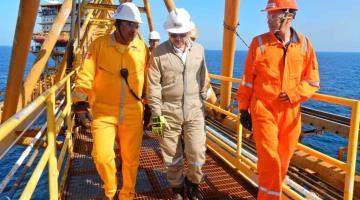 Diputado de Campeche denuncia a director de Pemex ante la FGR por muertes de obreros