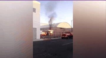 Se incendia pipa mientras cargaba combustible en el EdoMex