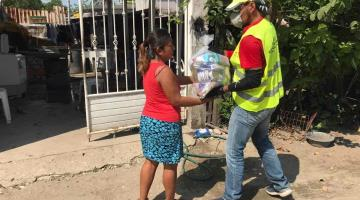 Continúa entrega de apoyo alimentario en Cunduacán y Nacajuca