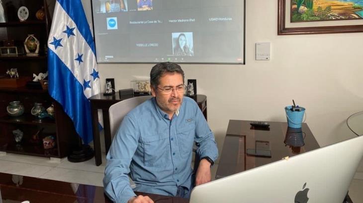 """Reportan """"franca mejoría"""" del presidente de Honduras, hospitalizado por Covid"""