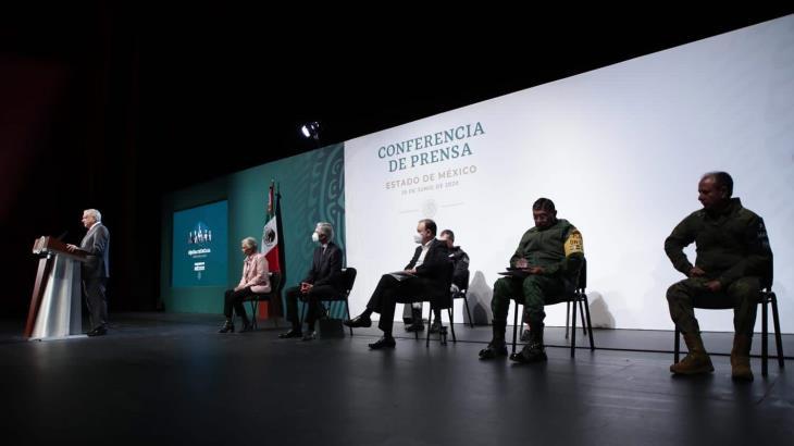"""En combate a la inseguridad, """"no damos garrotazos a lo tonto al avispero"""": Obrador"""
