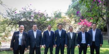 Sugiere Obrador a connacionales en el extranjero no viajar a México