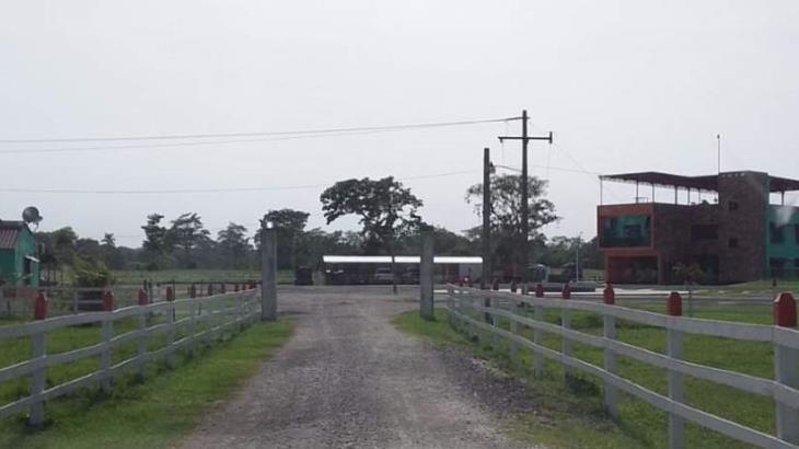 Asegura FGE armas y vehículos en ejido Pejelagartero, Huimanguillo