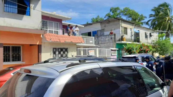 Dos heridos deja riña entre vecinos en La Manga... por un auto mal estacionado