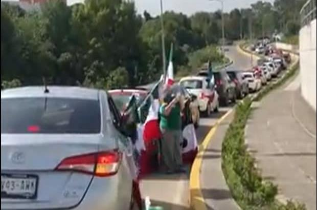 Realizan tercera caravana anti AMLO en el país