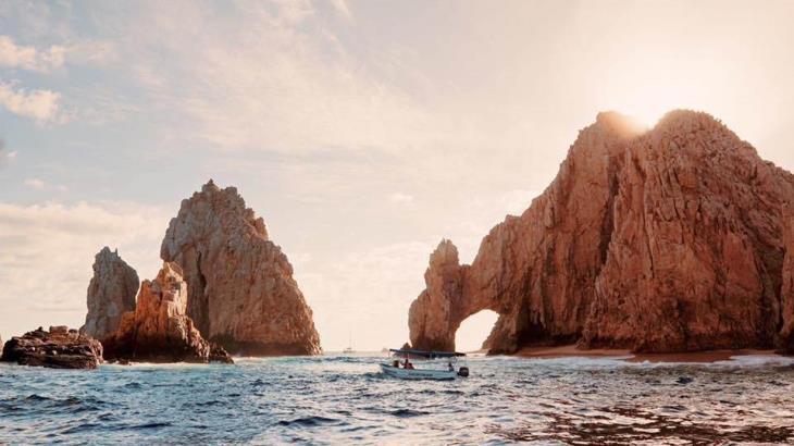 Informa Turismo que se construyen dos hoteles más en Baja California