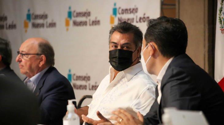 Advierte gobernador de Nuevo León que los hospitales Covid se están llenando