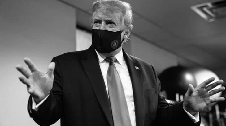 """""""No hay nadie más patriótico que yo"""" señala Donald Trump al postear una foto suya usando cubrebocas"""