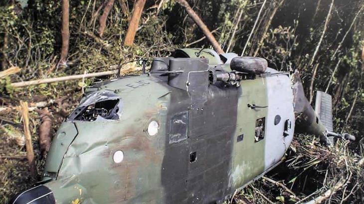 Cae helicóptero militar de Colombia durante enfrentamiento con grupo armado