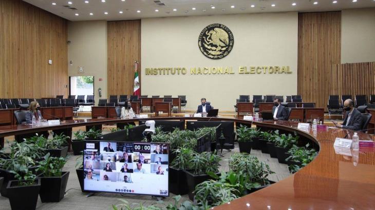 Critican en redes sociales a nuevo consejero del INE por presunta expresión racista