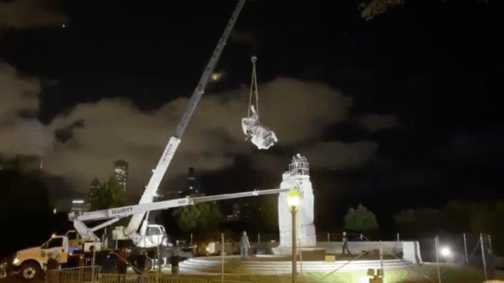 Retiran estatuas de Cristóbal Colón de parques de Chicago, ante recientes protestas