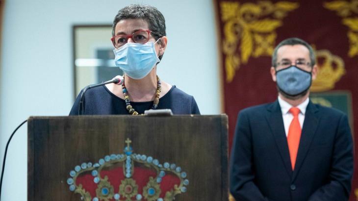 """""""España es un país seguro"""", precisa ministra de exteriores, tras restricciones de ingresos a otros países a turistas españoles"""
