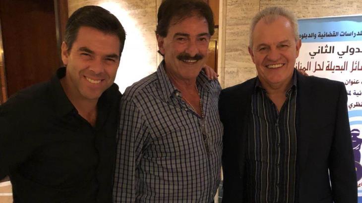 Ricardo La Volpe, abierto a dirigir a Pumas
