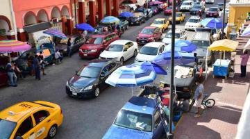 Los desalojaron, regresaron, y ahora son más los comerciantes que invaden calle Madero
