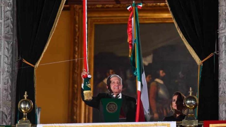 Confirma López Obrador que sí habrá Grito de Independencia y desfile Militar