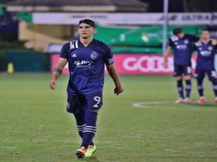 Eliminan a Alan Pulido de la MLS is Back