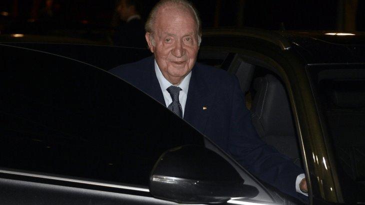 Rey emérito Juan Carlos, abandona España, ante acusaciones de corrupción