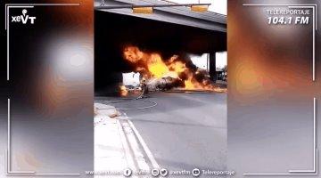 Se incendia pipa tras chocar con un tren en Nuevo León