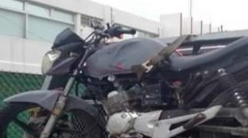 Aseguran motocicleta en la colonia José María Pino Suárez; sus tripulantes la abandonaron tras ser perseguidos por la policía