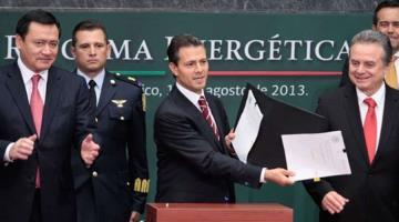 PAN, PRD y empresarios, habrían pactado 11 gubernaturas con la Reforma Energética, revela periodista