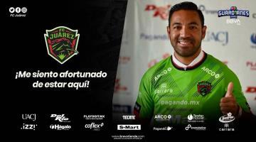 Llega Marco Fabián a firmar con el FC Juárez