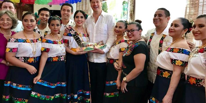 Celebra Landau un año como embajador de Estados Unidos en México
