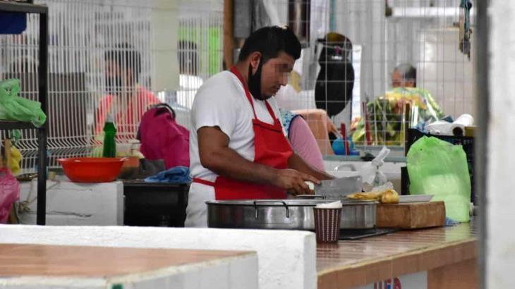 Continúa venta de carnes y taquerías en tianguis de Casa Blanca